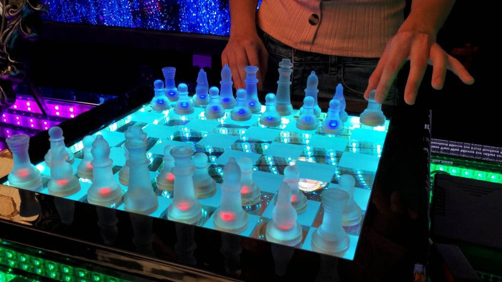 Infinity Chess Set